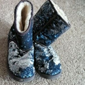 Uggs Blue/Silver Sequin Boots sz.6